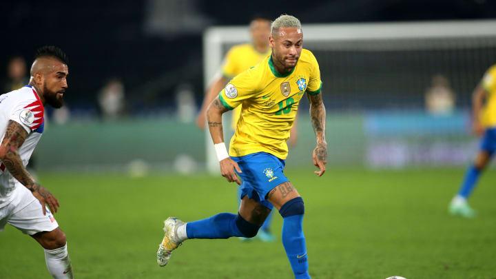 Neymar y Arturo Vidal se lanzaron indirectas en redes sociales