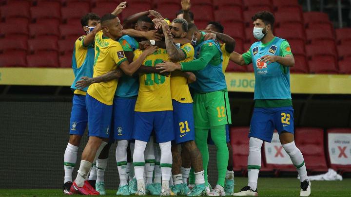 Profissionais dizem que têm compromisso com camisa brasileira