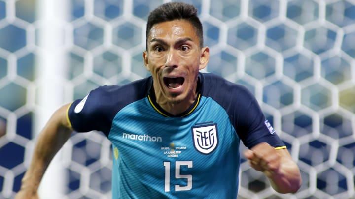 El ecuatoriano Ángel Mena podría dejar León para irse a España con el Huesca de la Segunda División.