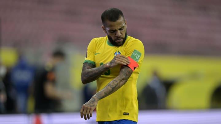 Brazil v Peru - FIFA World Cup 2022 Qatar Qualifier - Dani Alves, el más ganador de la historia.