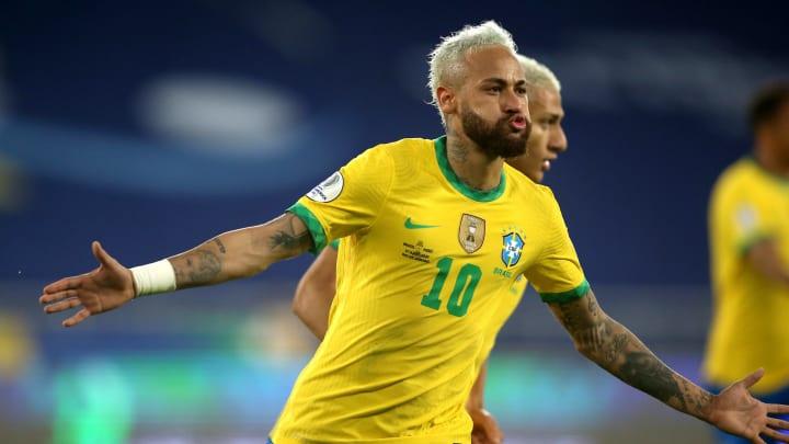Neymar representa o Brasil no ataque desta seleção