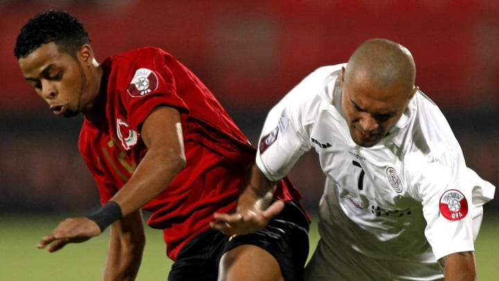 Brazil's Afonso Alves of Al-Sadd club (R