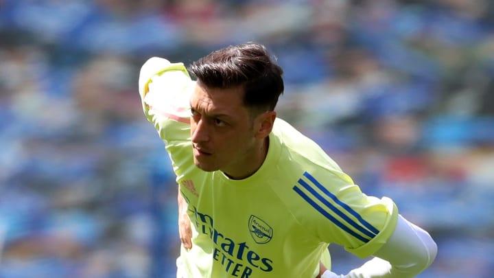 Mesut Özil hat wohl einen neuen Arbeitgeber gefunden