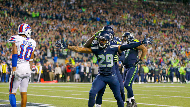 SEATTLE, WA - NOVEMBER 07:  Free safety Earl Thomas #29 of the Seattle Seahawks celebrates after helping break up a touchdown play in the final moments against the Buffalo Bills at CenturyLink Field on November 7, 2016 in Seattle, Washington.  (Photo by Jonathan Ferrey/Getty Images)