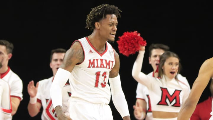 Miami (OH) vs Central Michigan spread, line, odds, predictions, over/under & betting insights for the college basketball game.
