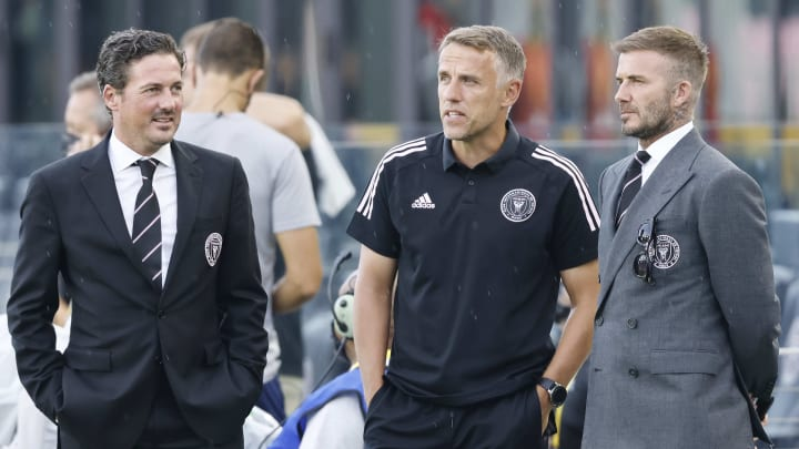David Beckham & Phil Neville discuss matters in Inter Miami's defeat to Montreal