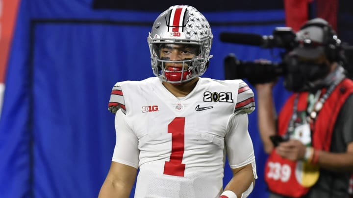Cris Collinsworth gives the Bears advice on Justin Fields.