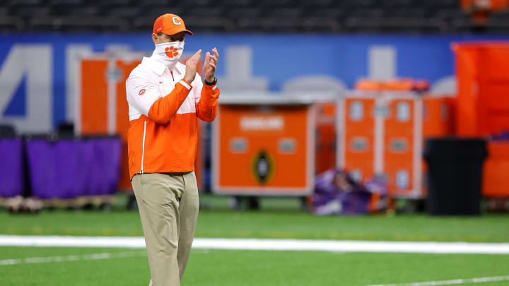 Clemson remains among the top favorites in the odds to win the 2021 College Football Playoff National Championship after signing day.