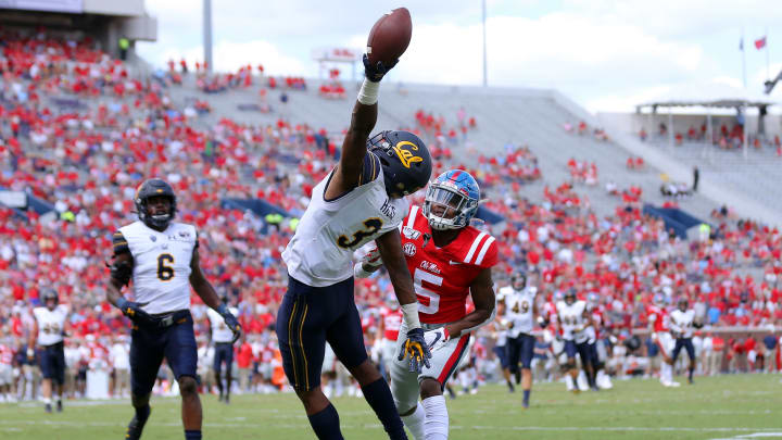 OXFORD, MISSISSIPPI - SEPTEMBER 21: Elijah Hicks #3 of the California Golden Bears attempts to intercept the ball during the second half of a game against the Mississippi Rebels at Vaught-Hemingway Stadium on September 21, 2019 in Oxford, Mississippi. (Photo by Jonathan Bachman/Getty Images)