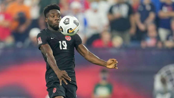 Da konnte er noch spielen: Alphonso Davies im Länderspiel gegen die USA vor seiner Knieverletzung