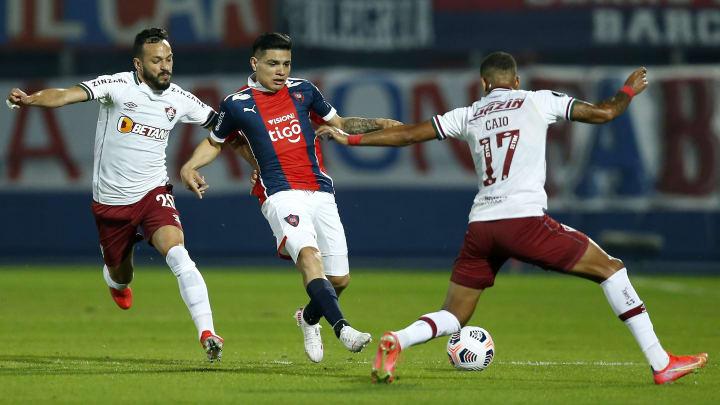 Fluminense venceu o Cerro no Paraguai