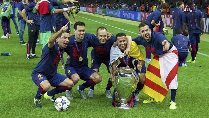 Alba celebrates winning the Champions League in 2015
