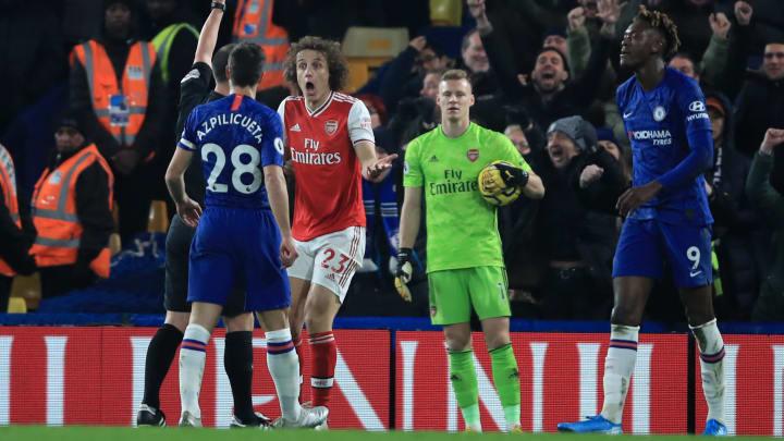 David Luiz, Stuart Attwell