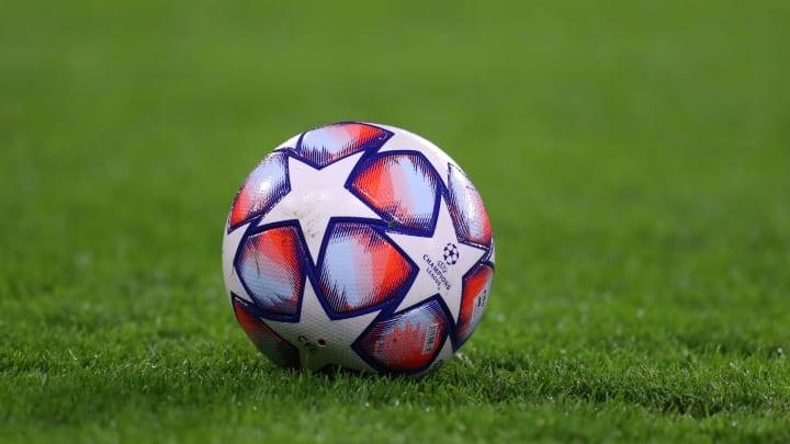 Clubes gigantes do futebol europeu se reuniram para propor ideia de Superliga.