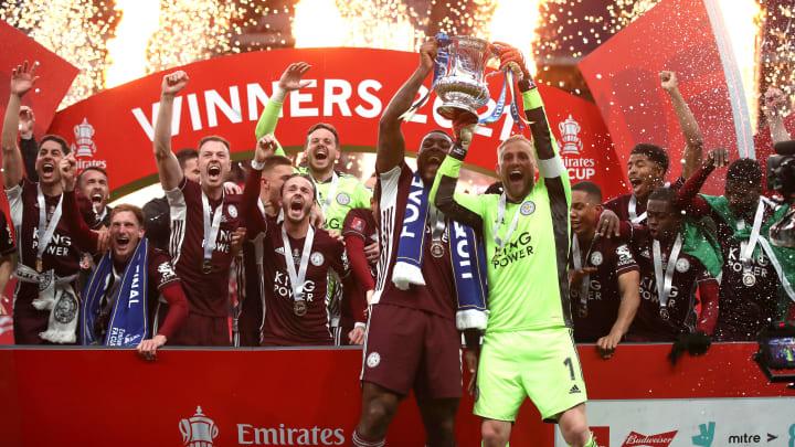 Leicester City triunfou diante do Chelsea na final da FA Cup, com golaço de Tielemans.