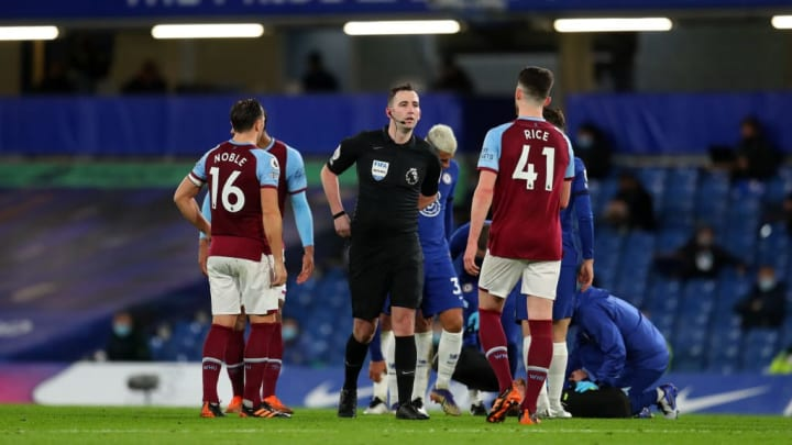 Declan Rice gets a talking to