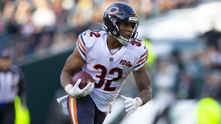 PHILADELPHIA, PA - NOVEMBER 03: David Montgomery #32 of the Chicago Bears runs the ball against the Philadelphia Eagles at Lincoln Financial Field on November 3, 2019 in Philadelphia, Pennsylvania. (Photo by Mitchell Leff/Getty Images)