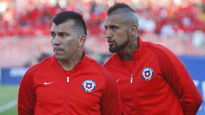 Chile v Venezuela - FIFA 2018 World Cup Qualifiers - Gary Medel y Arturo Vidal, dos de los involucrados.
