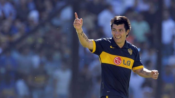 Chilean midfielder Gary Medel of Boca Ju