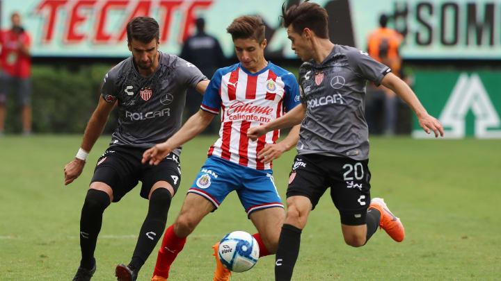 Isaac Brizuela, Rodrigo Noya