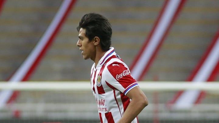 El delantero mexicano aseguró que su ex compañero en Chivas está listo para llegar a Europa
