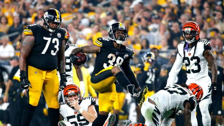 PITTSBURGH, PENNSYLVANIA - SEPTEMBER 30: Running back Jaylen Samuels #38 of the Pittsburgh Steelers celebrates a run against the defense of the  Cincinnati Bengals during the game at Heinz Field on September 30, 2019 in Pittsburgh, Pennsylvania. (Photo by Justin K. Aller/Getty Images)