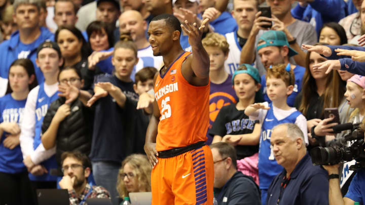 Virginia vs Clemson prediction, pick and odds for NCAAM game.