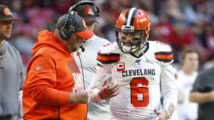 QB Baker Mayfield and head coach Freddie Kitchens arguing on the Cleveland Browns sideline