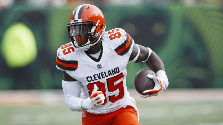 These three teams should trade for Browns tight end David Njoku.