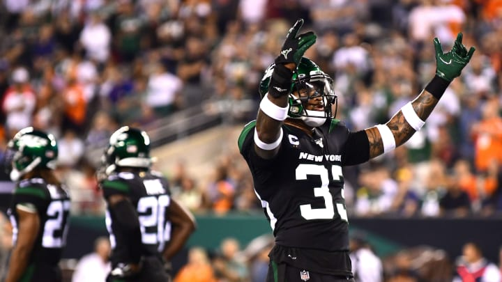 EAST RUTHERFORD, NEW JERSEY - SEPTEMBER 16: Jamal Adams #33 of the New York Jets urges the crowd to cheer during their game against the Cleveland Browns at MetLife Stadium on September 16, 2019 in East Rutherford, New Jersey. (Photo by Emilee Chinn/Getty Images)