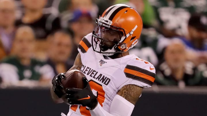 EAST RUTHERFORD, NEW JERSEY - SEPTEMBER 16:  Odell Beckham Jr. #13 of the Cleveland Browns makes a catch in the first half against the New York Jets at MetLife Stadium on September 16, 2019 in East Rutherford, New Jersey. (Photo by Elsa/Getty Images)