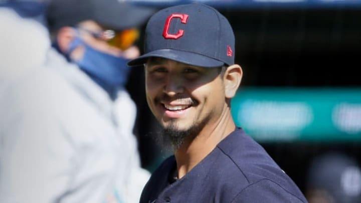 Carrasco superó la leucemia y lanzó bien para Cleveland