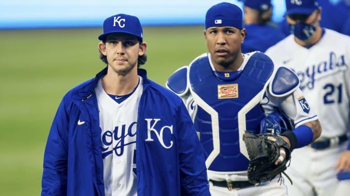 Cleveland Indians vs Kansas City Royals prediction and pick for MLB game tonight.