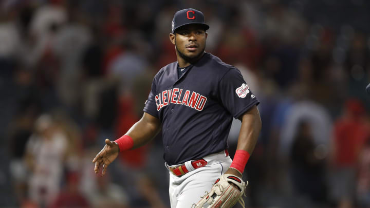 Puig terminó la temporada de 2019 en la MLB con los Indios de Cleveland