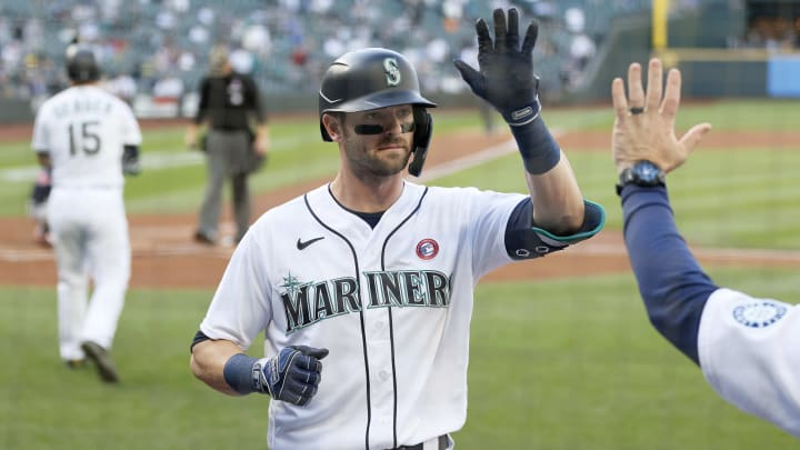 Three power hitters the Milwaukee Brewers need to trade for ahead of the MLB deadline, including Mitch Haniger.