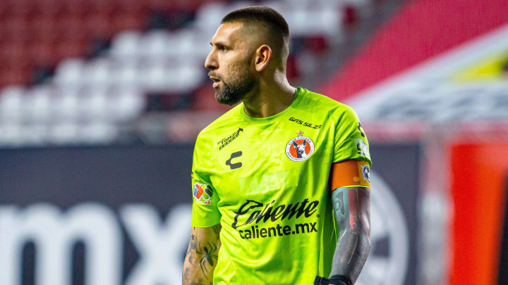 Jonathan Orozco suena como una posibilidad para Chivas.