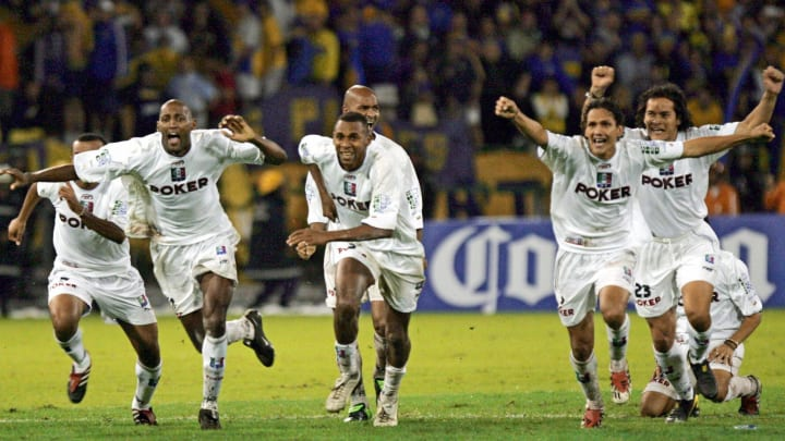 Colombia's Once Caldas players celebrate