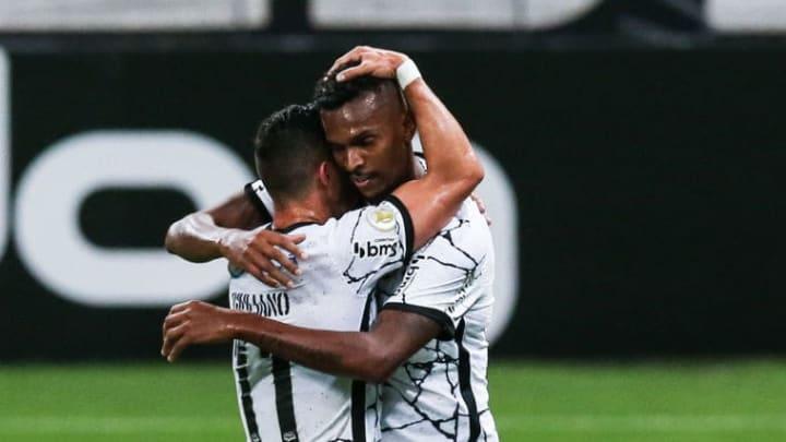 Jô Corinthians Pressão Dérbi Palmeiras Centroavante Campeonato Brasileiro