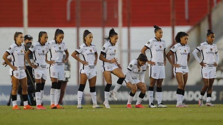 Partida entre Internacional e Corinthians reúne jogadoras de altíssimo nível, duelo interessante entre base e experiência, além de possível lei do ex.