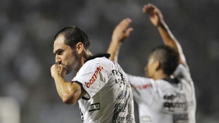 Corinthians v Cruz Azul - Copa Libertadores 2012