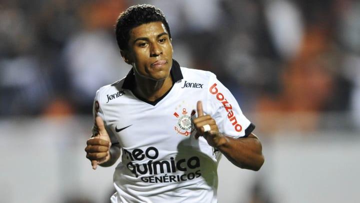 Ao investir em Paulinho, Corinthians busca soluções fáceis para problemas complexos