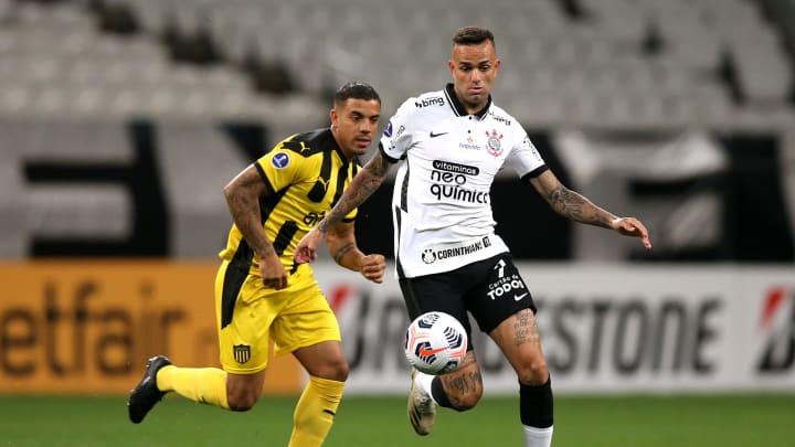 Corinthians venceu sua primeira partida na Sul-Americana com dois gols de Luan.