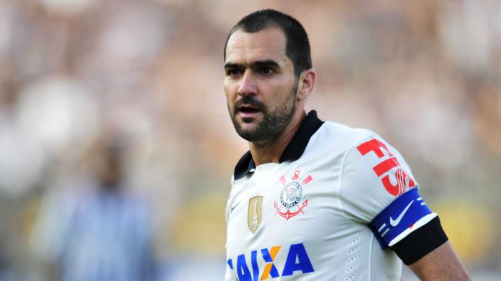 Corinthians v Santos - Sao Paulo State Championship 2013