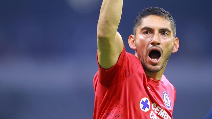 De salir campeón de Liga MX con Cruz Azul, el arquero José de Jesús Corona podría dejar La Noria para llegar a Chivas.