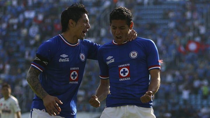 Cruz Azul v Santos - Apertura 2010