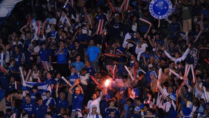 Cruzeiro v Estudiantes - Santander Libertadores Cup 2009 Final