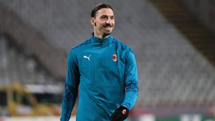 Crvena Zvezda v AC Milan  - UEFA Europa League Round Of 32 Leg One