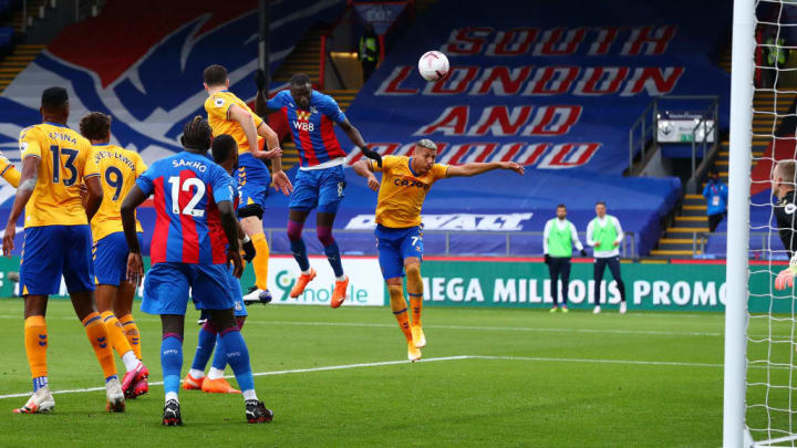 Kouyate scores, but Palace narrowly lose out to Everton