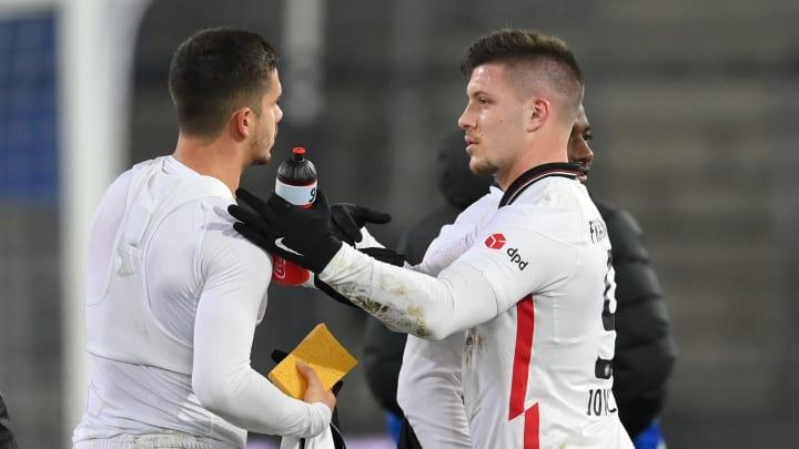 Der eine könnte die SGE im Sommer verlassen, der andere wieder zurückkehren: André Silva (li.) und Luka Jovic