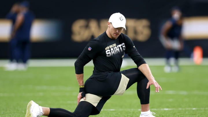 NEW ORLEANS, LOUISIANA - SEPTEMBER 29: Drew Brees #9 of the New Orleans Saints works out prior to the start of a NFL game against the Dallas Cowboys at the Mercedes Benz Superdome on September 29, 2019 in New Orleans, Louisiana. (Photo by Sean Gardner/Getty Images)